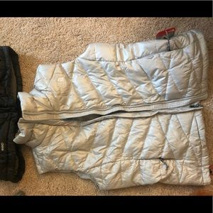 Light grey north face vest with tags